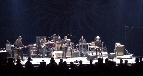 Dylan and Band in Boston 2009